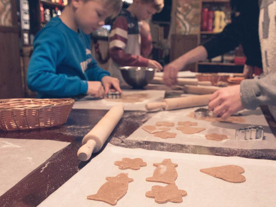 Piparkakkujen leipominen Himos